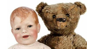 A rare Käthe Kruse Doll II, Schlenkerchen and Steiff Teddy Bear, circa 1908